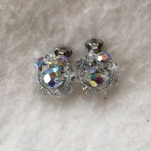 Vintage crystal/glass clip on earrings clear